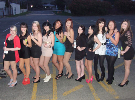 Jesse Maxwell - All the girls lined up for a goooooood night (;