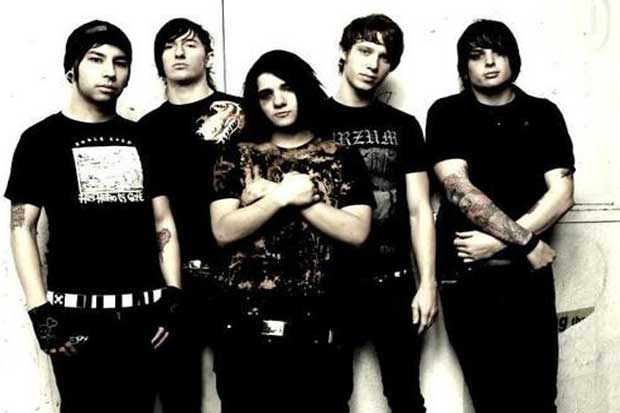 Sonny with his band From First To Last, of which he was a member until 2007.