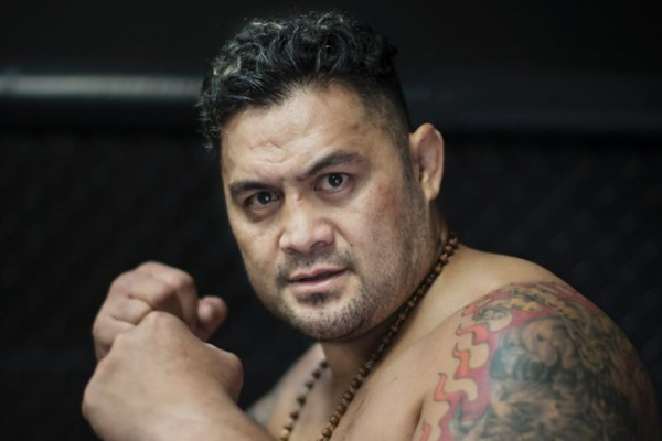 NSFW: Mark Hunt loses it at UFC in interview