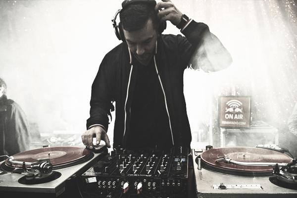Bonobo releases new single featuring Nick Murphy - 'No Reason'