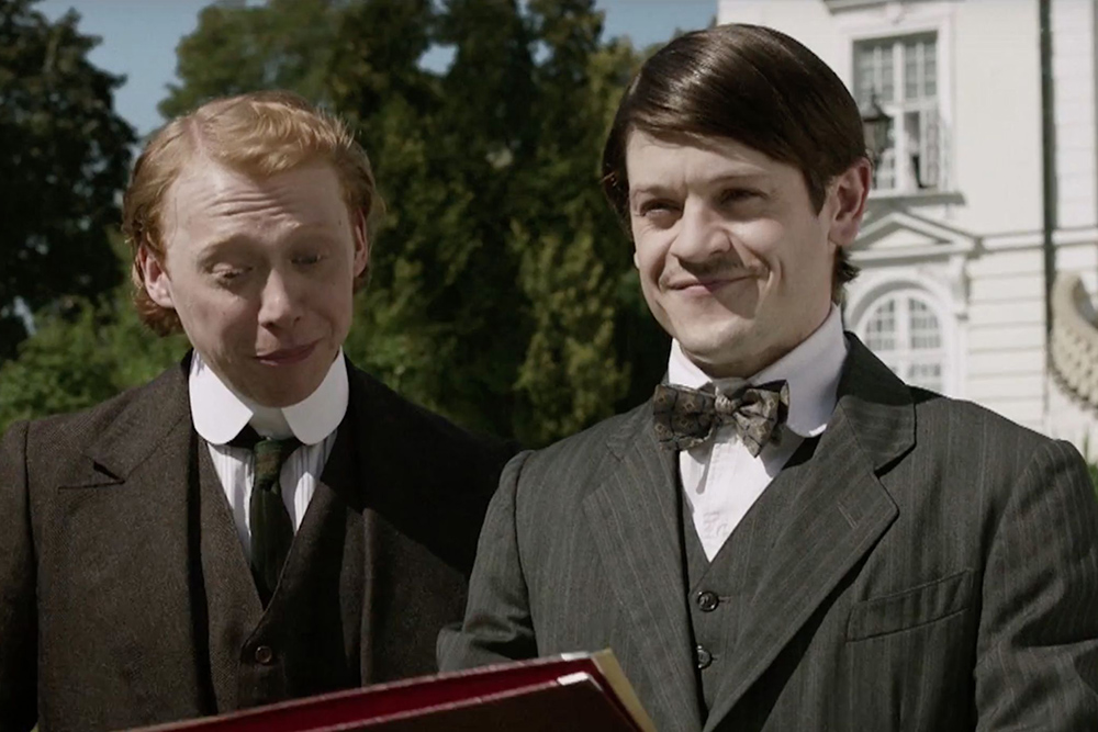 Ramsay Bolton returns as Adolf Hitler