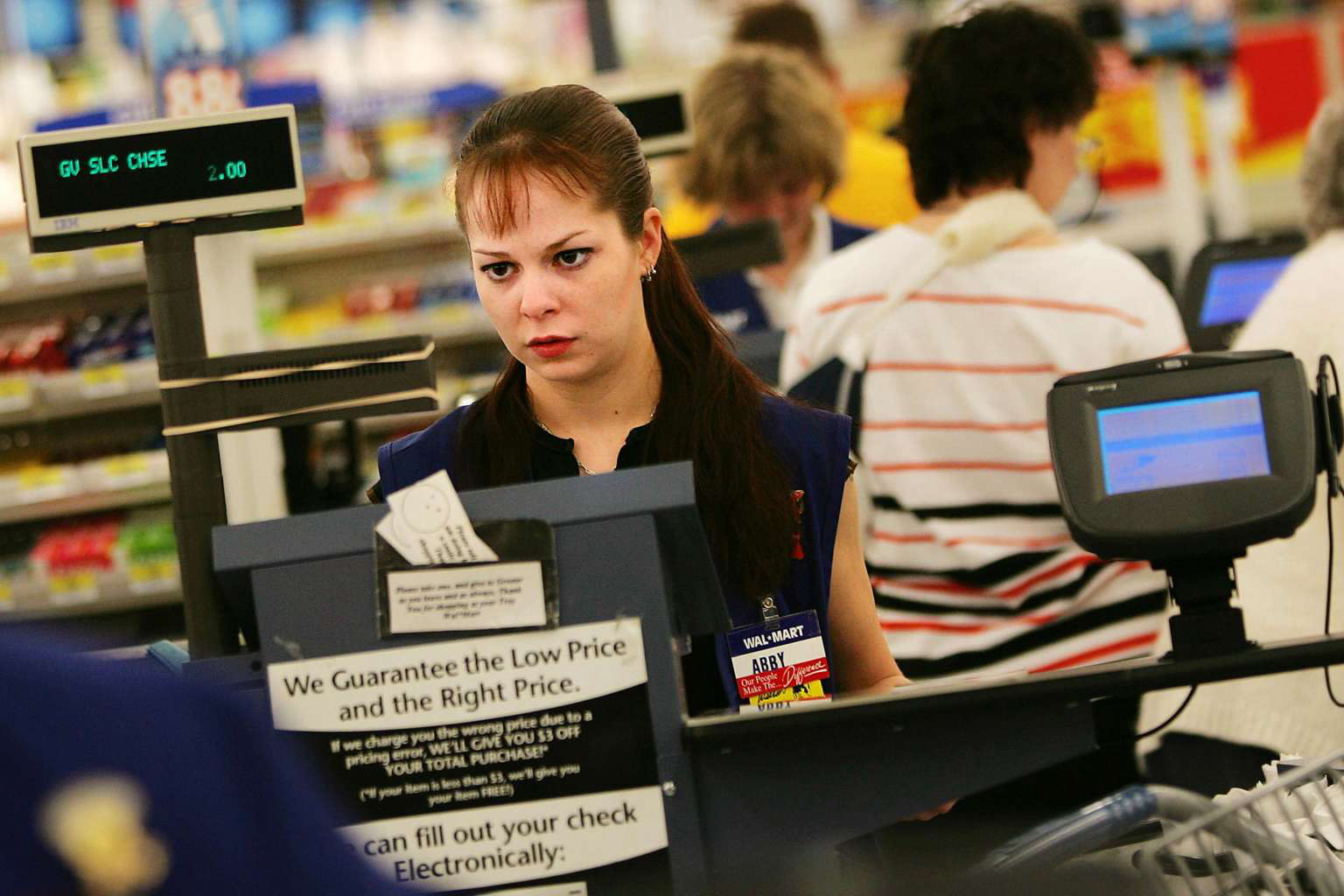 Retail workers share their horror work stories